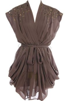 I'm not a big sparkle fan but this is adorable. Would be pretty for interviews or even a night out.