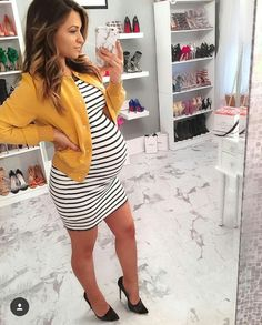 Baby Clothes Fashion Maternity Outfits Ideas For 2019 Winter Maternity Outfits, Stylish Maternity, Maternity Wear, Baby Outfits, Maternity Fashion, Winter Pregnancy Outfits, Maternity Styles, Maternity Pictures, Pregnancy Fashion Winter