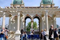 Castle Bazaar and Royal Gardens, Budapest The Castle Bazaar and Baroque gardens are likely to be one of the iconic sights of the capital city Budapest. Royal Garden, Capital City, World Heritage Sites, Hungary, Budapest, Castle, Architecture, Arquitetura, Architecture Illustrations