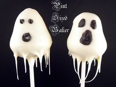 Spooky Ghost Cake Pops www.tablescapesbydesign.com https://www.facebook.com/pages/Tablescapes-By-Design/129811416695