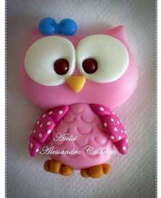 ~little pink clay owl Polymer Clay Kunst, Polymer Clay Figures, Polymer Clay Animals, Fondant Figures, Fimo Clay, Polymer Clay Charms, Polymer Clay Projects, Polymer Clay Creations, Clay Crafts