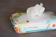 Honest wipes. natural, botanically infused, no parabens, chlorine, phthalates, phenols, or other risky chemicals. Perfect for sensitive skin. Certified cruelty free! ❤️
