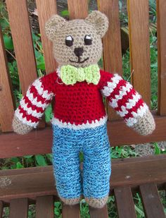 Now in Zimbabwe with a sweet boy Sent on 20 September 2012 Knitted Teddy Bear, Crochet Bear, Craft Patterns, Crochet Patterns, Fox Scarf, Teddy Bear Clothes, Mother Bears, Knitting For Charity, Knitting Toys