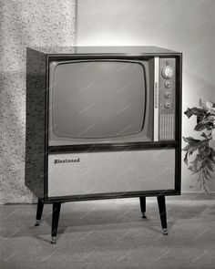 Fleet Wood Television Circa 1960 Vintage 8x10 Reprint Of Old Photo Fleet Wood Television Circa 1960 Vintage 8x10 Reprint Of Old Photo This is an excellent reproduction of an old photo on quality photo
