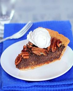 """""""This impossible healthy chocolate pecan pie is vegan, gluten-free, and completely free of butter and corn syrup. it MELTS in your mouth!"""" I love the idea of swapping out corn syrup for healthier maple syrup! Köstliche Desserts, Delicious Desserts, Dessert Recipes, Dessert Blog, Pie Recipes, Fall Recipes, Recipies, Vegan Recipes, Vegan Sweets"""