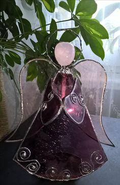 Stained glass angel stojici tiffany andel na svicku
