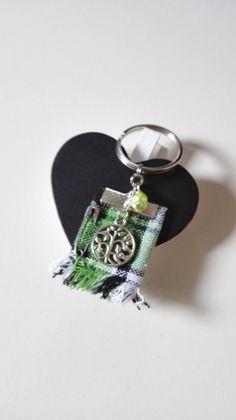 Porte clés Outlander Ecosse kilt vert arbre de vie Irlande argenté féérique Jamie Claire Fraser : Porte clés par miss-perles