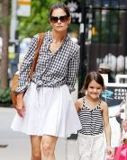 Katie Holmes  Suri Cruise Wear a Match Outfit#Repin By:Pinterest++ for iPad#