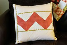 How To Make A Pillow Sham or Cover {sewing pattern} - Tip Junkie Euro Pillows, Euro Pillow Shams, Diy Pillows, How To Make Pillows, Pillow Ideas, Pillow Covers, Pillow Tutorial, Diy Tutorial, Quilted Pillow Shams