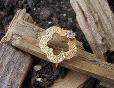 Check out this item in my Etsy shop https://www.etsy.com/listing/289572043/flower-ringgold-flowergold-ringhandmade