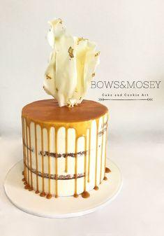 Semi naked caramel drip cake with chocolate sail Caramel Drip Cake, Chocolate Caramel Cake, Salted Caramel Cake, Buttercream Decorating, Cake Decorating, Simple Cake Designs, Single Tier Cake, Lolly Buffet, Chocolate Strawberries
