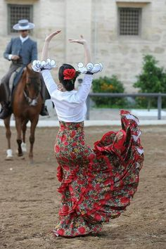 Ballet Is Woman: Supporting Real Women In a Rarefied Art Form Spanish Dress, Spanish Dancer, Folk Dance, Dance Art, Dance Photos, Latin Dance, Dancing In The Rain, Dance Photography, Just Dance