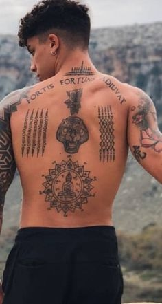 Männermodels Tattoo, Tattoos 3d, Hot Guys Tattoos, Back Tattoos For Guys, Thai Tattoo, Neue Tattoos, Dream Tattoos, Body Art Tattoos, Tribal Tattoos