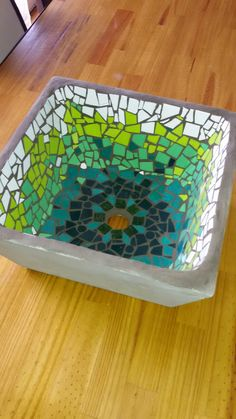 Glass Art For Kids Product Mosaic Planters, Mosaic Tray, Sea Glass Mosaic, Blue Mosaic, Mosaic Wall Art, Mosaic Garden, Stained Glass Art, Mosaic Tiles, Mosaic Crafts