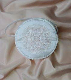 """Brauttaschen - Brauttasche """"Mandala"""" bestickt ivory - ein Designerstück von Leaena bei DaWanda"""