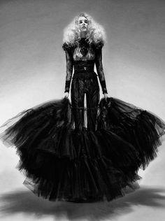 Model - Eva Staudinger... www.fashion.net