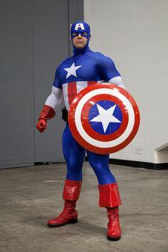 Silver Bullet Media: PHOTO: Captain America - Cosplay