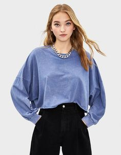 Puff sleeve cropped T-shirt - Tees - Bershka United States Tee Shirts, Tees, Cropped Sweater, Fashion News, Bell Sleeve Top, Sweaters, Women, United States, Outfits