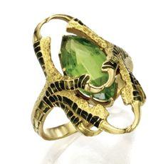 Талон кольцо.  Рене Лалик (1860-1945) около  1901 Эмаль, золото и перидот.  по SayaValentine