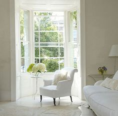 Simple Everyday Glamour: The Light and White