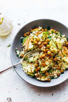 Spring Detox Cauliflower Salad with raw cauli rice roasted chickpeas apples avocado shallots herbs and a twosecond sweet mustard dressing gluten free vegan delicious Whole Food Recipes, Dinner Recipes, Cooking Recipes, Cooking Tips, Cooking Broccoli, Freezer Cooking, Slow Cooking, Family Recipes, Power Salad