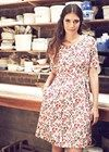 Dresses - Janey Floral Dress This dress is so perfect. Size 8