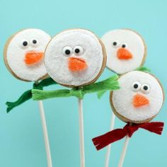 Easy, Sparkly, Snowman Cookie Pops