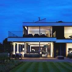 Luxury detached #home on the banks of the River Thames