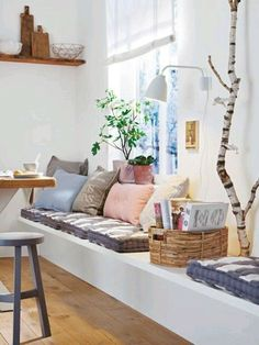 Living ideas in pastel - soft pink conquers our home Living .- Wohnideen in Pastell – Zartrosa erobert unser Zuhause Room Inspiration, Interior Inspiration, Design Inspiration, Wall Bench, Decoracion Vintage Chic, Decor Vintage, Design Vintage, Style Vintage, Window Benches
