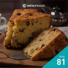 Bolo de Laranja e Uvas Passas Bolos Light, Bolo Fit, Banana Bread, Desserts, Rolled Oats, Hand Fan, Hu Ge, Cake Receipe, Tailgate Desserts