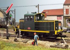 Image Saint Simon, Model Trains, Belle Photo, Locomotive, Diesel, Miniatures, Image, Trains, Dioramas