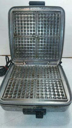 Vintage Waffle Iron Grill Universal NO. 3801 Landers Frary Clark USA