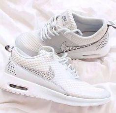 Lækre hvide Nike sko med diamanter