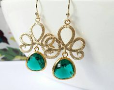 Emerald earrings, chandelier earrings, green crystal earrings, green drop earrings, gold dangle earrings, emerald green dangle earrings