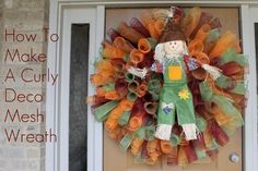how to make a curly deco mesh wreath. Would be cute with a turkey in the middle!