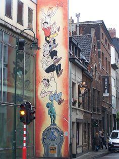 3d Street Art, Street Art Graffiti, Pavement Art, Wonder Art, Building Art, Interesting Photos, People Art, Chalk Art, Urban Art
