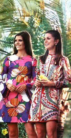 Inspiration: An exotic fashion dream in Haïti, Jours de France July 1968 vintage fashion style shift dress island hawaii tiki short mini 60s floral print mod