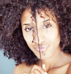 3 ways to conceal split ends without cutting - makeup.com