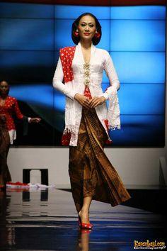 Koleksi Anne Avantie, Indonesia Sehati, IFW 2012, di Plenary Hall Jakarta Convention Center (26/02)