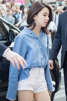 Official Korean Fashion : Twice Chaeyoung Airport Fashion Airport Fashion Kpop, Kpop Fashion, Retro Fashion, Girl Fashion, Fashion Outfits, Korean Airport Fashion Women, Petite Fashion, Style Fashion, Fashion Hacks