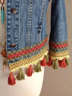 Rich sage/terr-cotta tassels embellished BoHo Chic Bohemian one of a kind original upcycled eco-friendly size XS denim jacket Pull Crochet, Gilet Crochet, Big Fashion, Denim Fashion, Style Fashion, Fashion Tips, New Mode, Bohemian Schick, Diy Kleidung