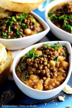 GULASZ Z SOCZEWICY I CIECIERZYCY - kuchnia arabska Food N, Good Food, Yummy Food, Food And Drink, Easy Cooking, Cooking Recipes, Healthy Recipes, Food Preparation, Tasty Dishes