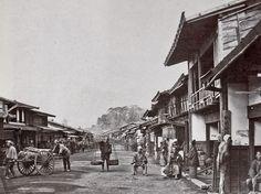 Town of Odowara, Japan Photo: Felice Beato Old Photography, History Of Photography, Japanese History, Japanese Culture, Old Pictures, Old Photos, Vintage Photos, Diorama, Meiji Restoration