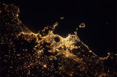 #BlueDot : Napoli e il Vesuvio   ph. Alex Gerst