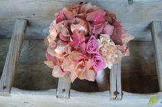 bouquet de novia vintage con hortensia. Mayula Flores