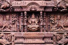 Surya Palagai Design for Main Door Single Door Design, Wooden Main Door Design, Indian Doors, Pooja Room Door Design, Indian Home Design, Stair Decor, Tv Wall Design, Pooja Rooms, Bathroom Design Luxury