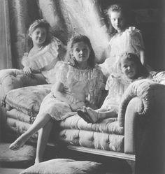 Romanov Grand Duchesses