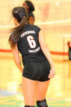 Yoga Pants for President: Yoga Pants. Looks Like We Found A Presidential Running Mate. Female Volleyball Players, Women Volleyball, Volleyball Shorts, Beach Volleyball, Volleyball Pictures, Sports Uniforms, Female Gymnast, Sporty Girls, Sexy Shorts