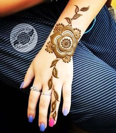 Explore latest Mehndi Designs images in 2019 on Happy Shappy. Mehendi design is also known as the heena design or henna patterns worldwide. We are here with the best mehndi designs images from worldwide. Stylish Mehndi Designs, Mehndi Design Pictures, Best Mehndi Designs, Henna Designs Easy, Beautiful Mehndi Design, Mehndi Images, Tattoo Designs, Finger Henna Designs, Arabic Henna Designs