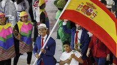 El desfile español: La sonrisa de Nadal y un beso furtivo - Diario de  Torremolinos